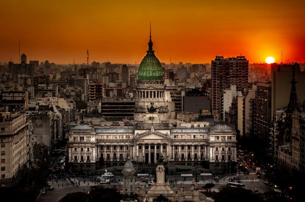 Atardecer sobre el Congreso de la Nación Argentina