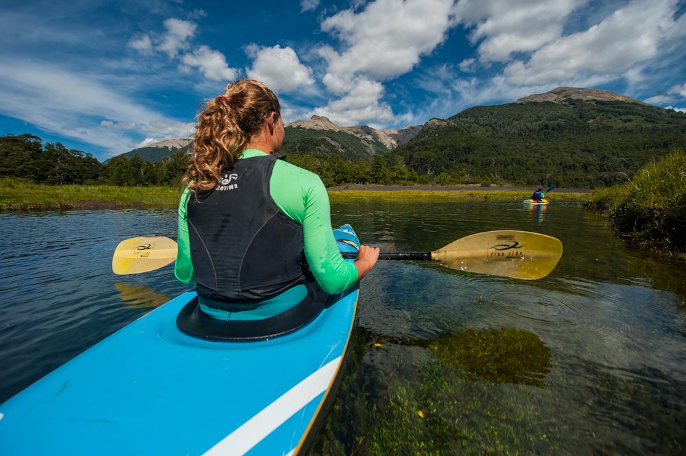 Kayak en Laguna Verde, Neuquén - ph Efraín Dávila