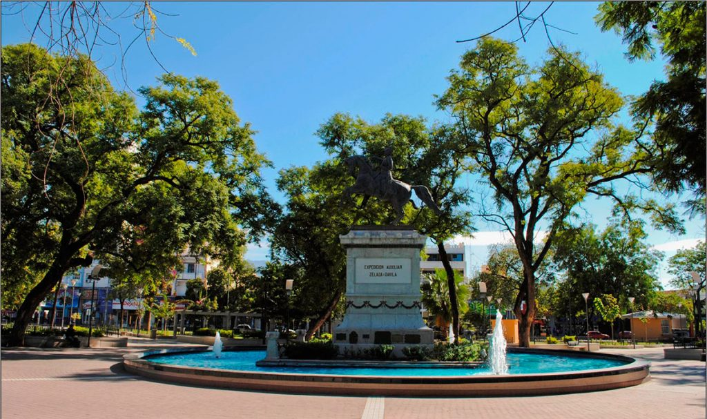 Plaza 25 de mayo, La Rioja - turismolarioja