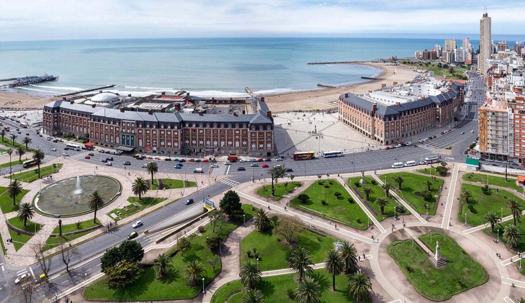 Vista Panorámica del Hotel Provincial y el Casino de Mar del Plata y Plaza Colón
