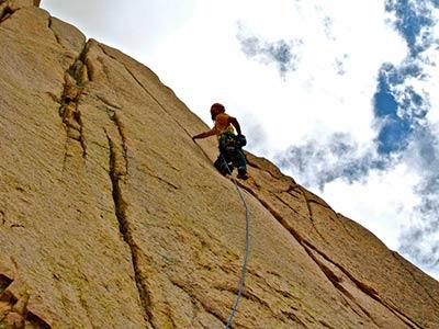 El cajón de Arenales en Tunuyán es la zona de escalada más grande de Mendoza y uno de los mayores del país. Desafío para los fanáticos del deporte en todo el mundo!