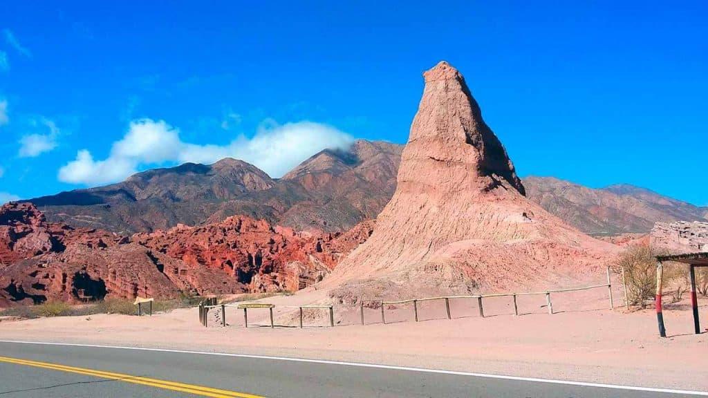 El Obelisco -Quebrada de las Conchas - Salta - foto: MoraLAF
