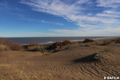 Cerca de Monte Hermoso las dunas esconden huellas de un pasado lejano